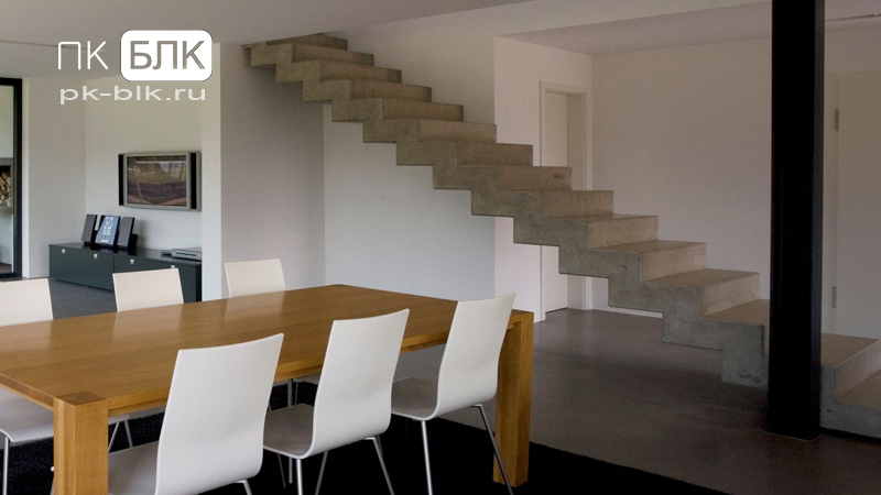 прямая бетонная лестница
