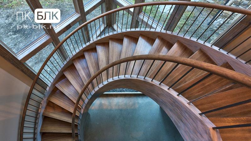 винтовой лестницы отделка деревом
