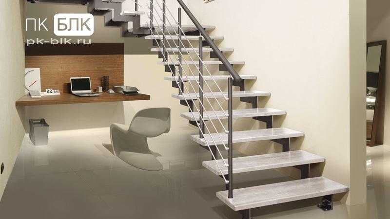 металлическая лестница на тетивах