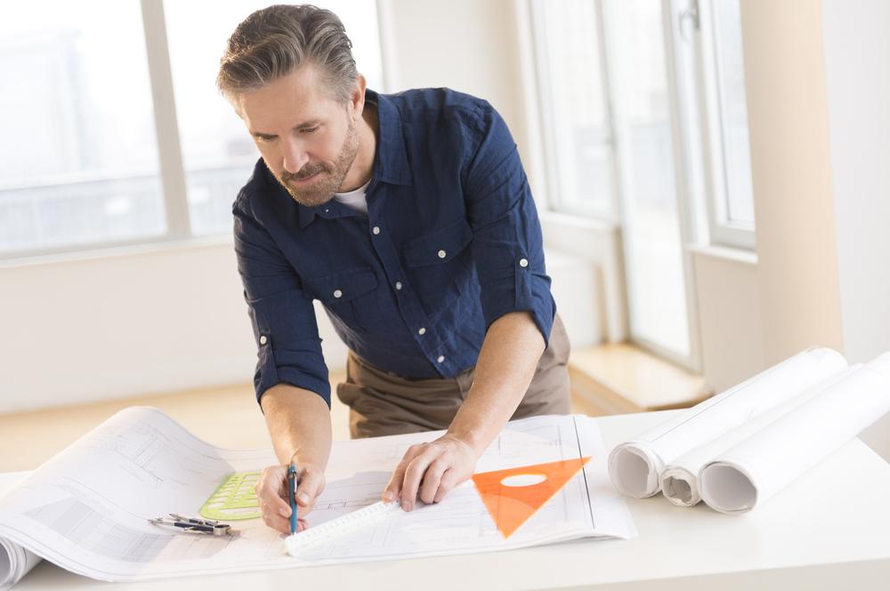Как выбрать подрядчика для строительства лестницы