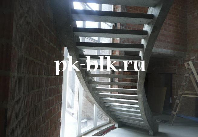 Монолитные лестницы на тетивах