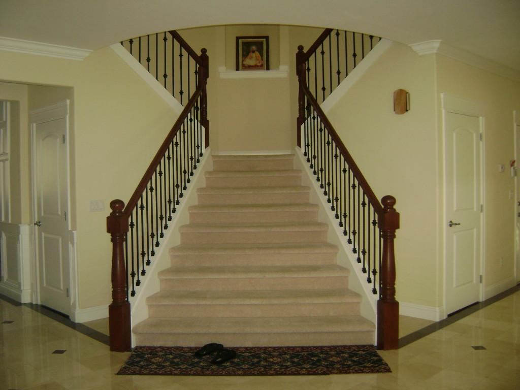 Как сохранить деньги при строительстве лестницы для дома?