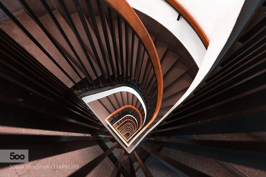 Строим правильно: лестницы на второй этаж