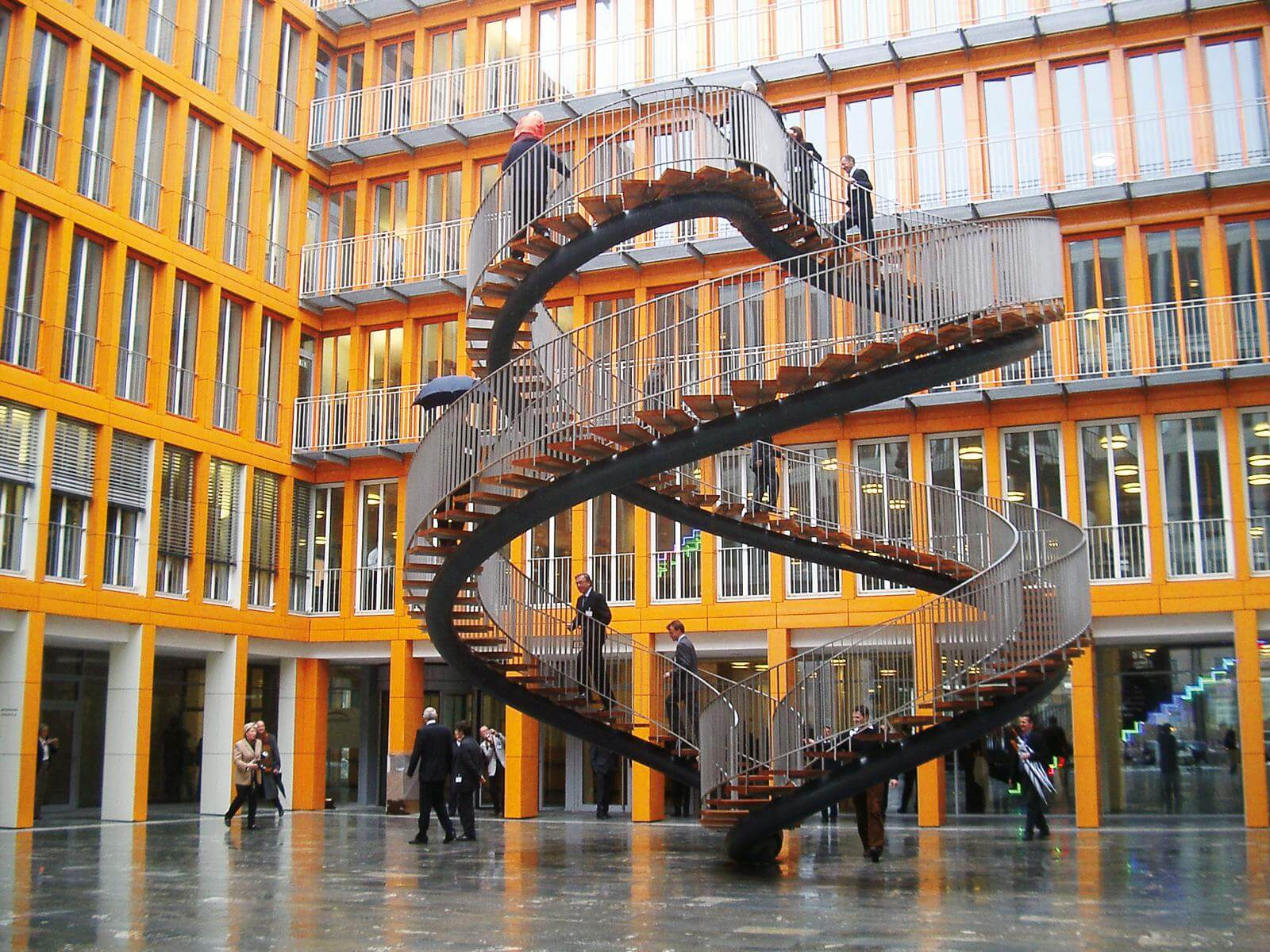 Бесконечная лестница «Перезапись». Мюнхен. Германия