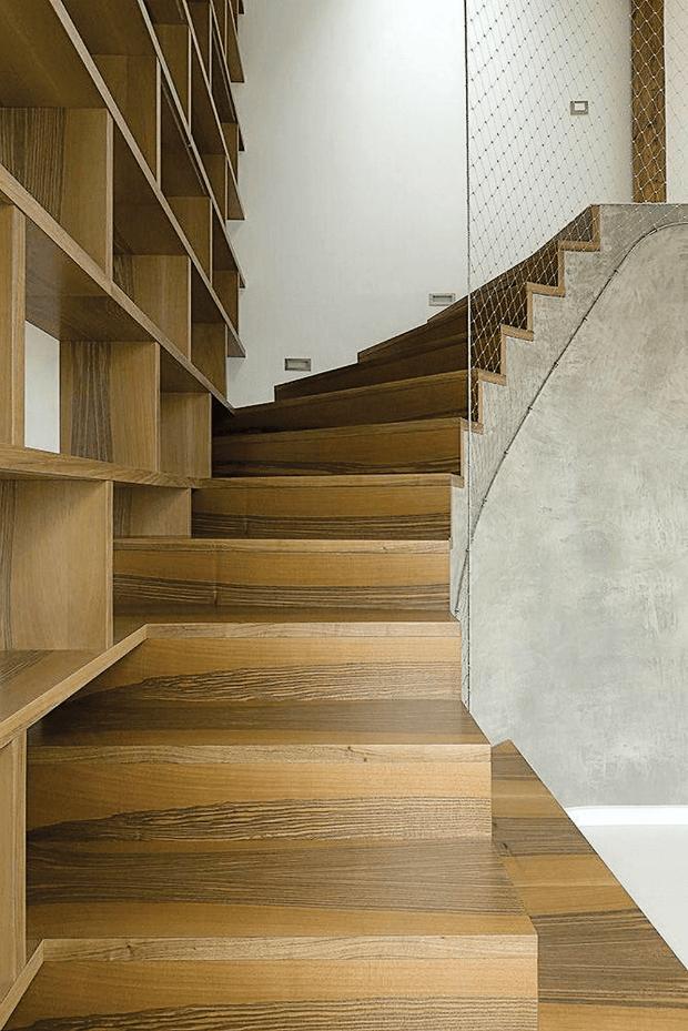 бетонная лестница на мансарду