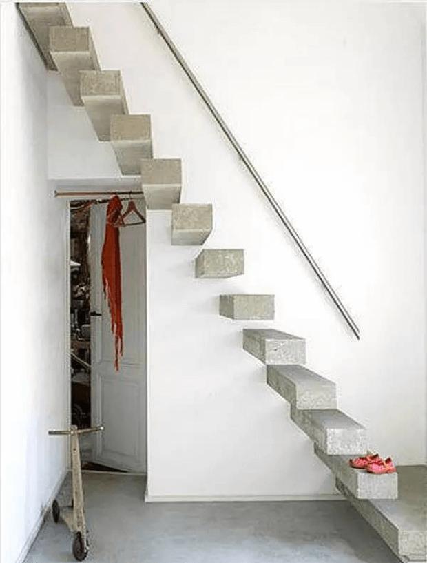 консольная лестница на мансарду